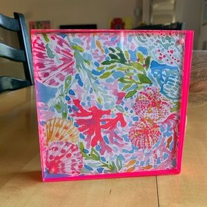 🐝Lilly Pulitzer double sided picture frame.